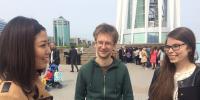 Астанадағы шетелдіктер: Қазақ тілі сондай сұлу тіл. Әуен сияқты